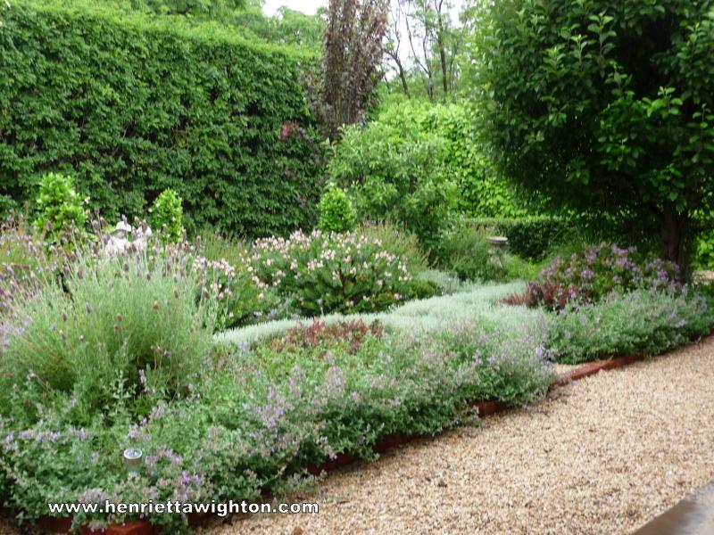 Photo Gallery | Henrietta Wighton - Garden Design